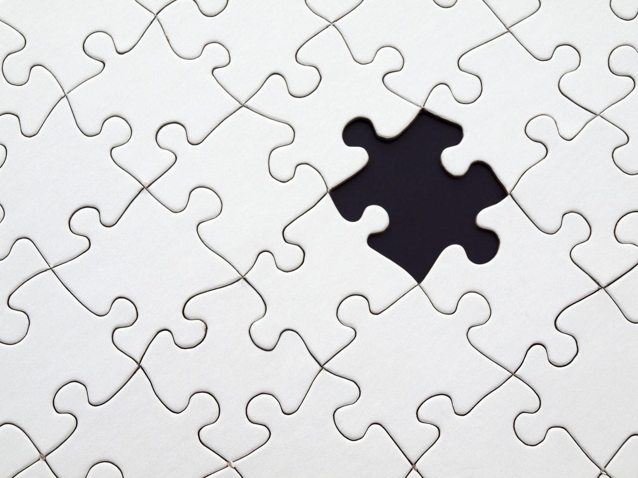 black-and-white-puzzle
